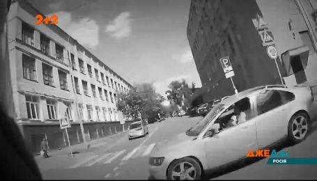 В России мотоциклист попал в аварию из-за нарушения скоростного режима