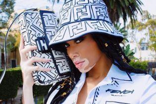 В стиле pop-up: Винни Харлоу примеряла необычный наряд от знаменитого бренда