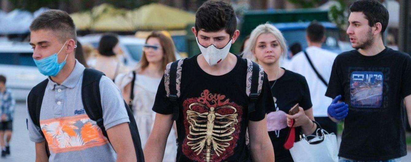 """""""Місць у лікарнях бракуватиме"""": у МОЗ попередили, що в Україні може початися третя хвиля коронавірусу"""