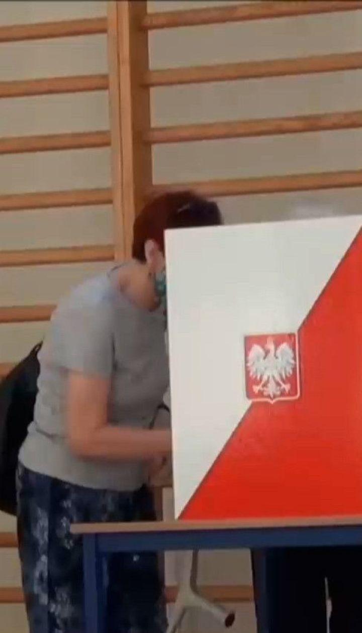 Вибори у Польщі: у першому турі лідирує чинний президент Дуда