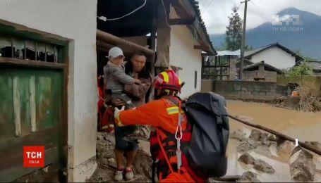 Китайская провинция Хубэй страдает от рекордных ливней и наводнений