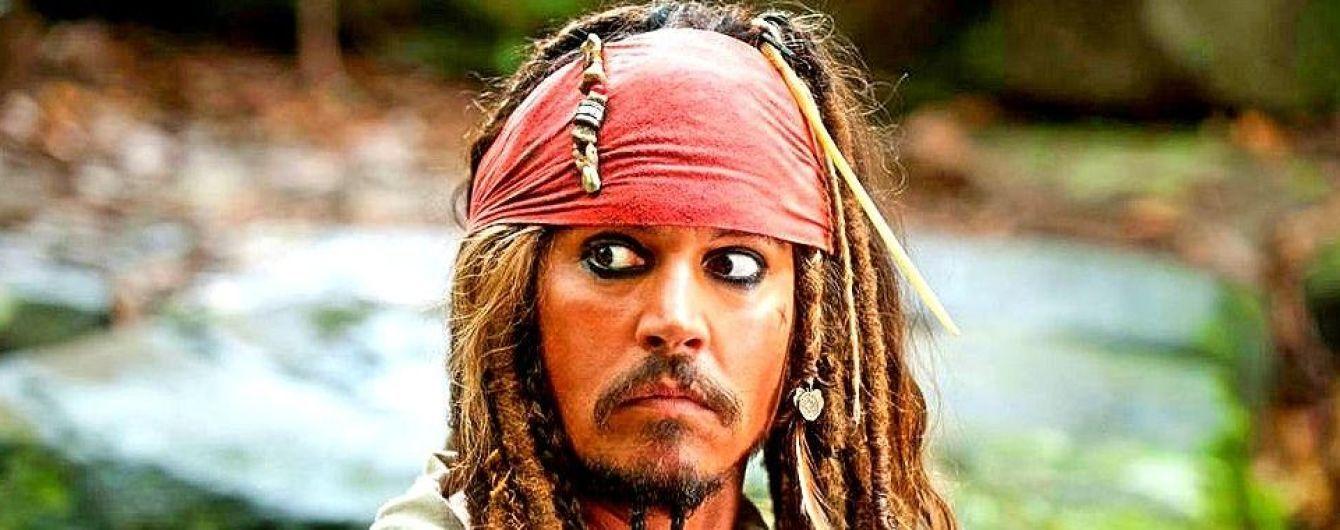 """Стало відомо, хто замінить Джонні Деппа у римейку  """"Піратів Карибського моря"""""""