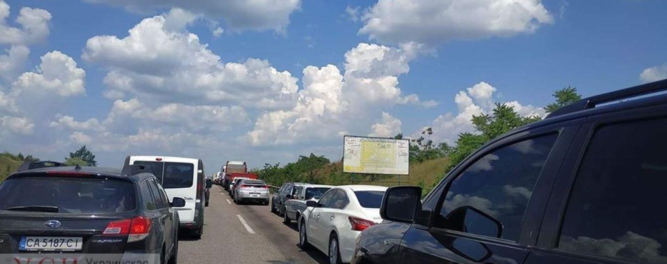 На трассе Одесса-Киев образовался огромный затор: схема объезда