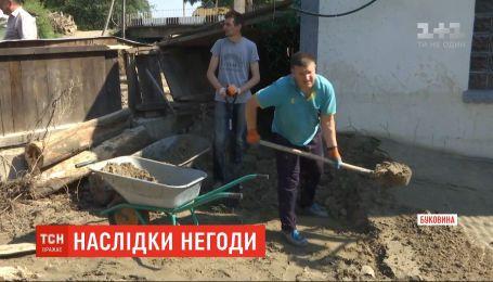 Збитки від негоди на Буковині оцінюють у сотні мільйонів гривень.