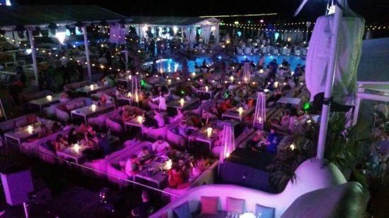 Уряд заборонив роботу нічних клубів після 23 години