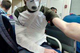 Полицейский сломал руку журналисту, который освещал голосование по поправкам в Конституцию РФ