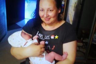 В Виннице пошла гулять и исчезла женщина с младенцем: фото, приметы