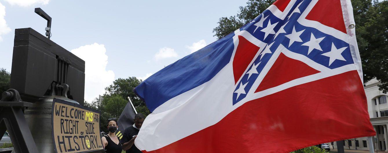 Американский штат заменит флаг из-за расизма