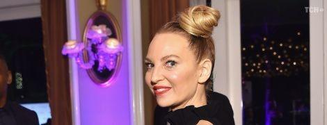44-річна співачка Sia неочікувано стала бабусею