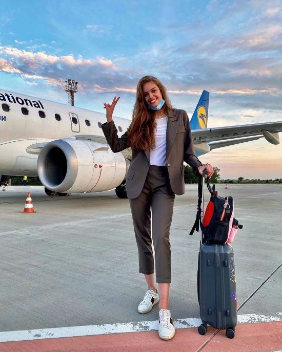 Дружина Дмитра Комарова поділилася, до чого тепер готуватися туристам в аеропорті