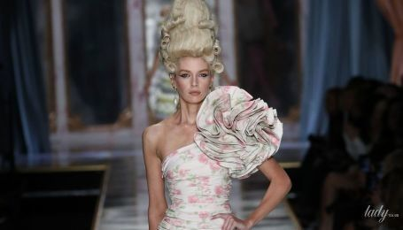У стилі Рококо: колекція Moschino сезону осінь-зима 2020-2021