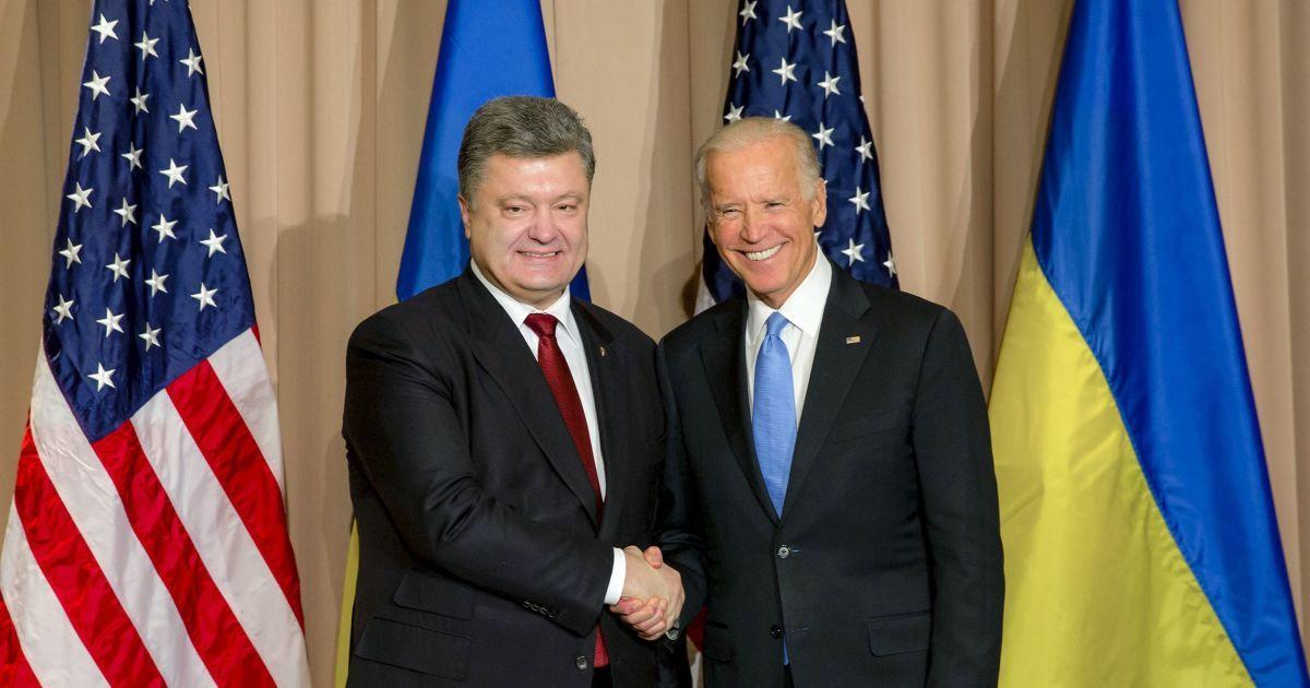 Порошенко и Байден согласовали продление санкций против России