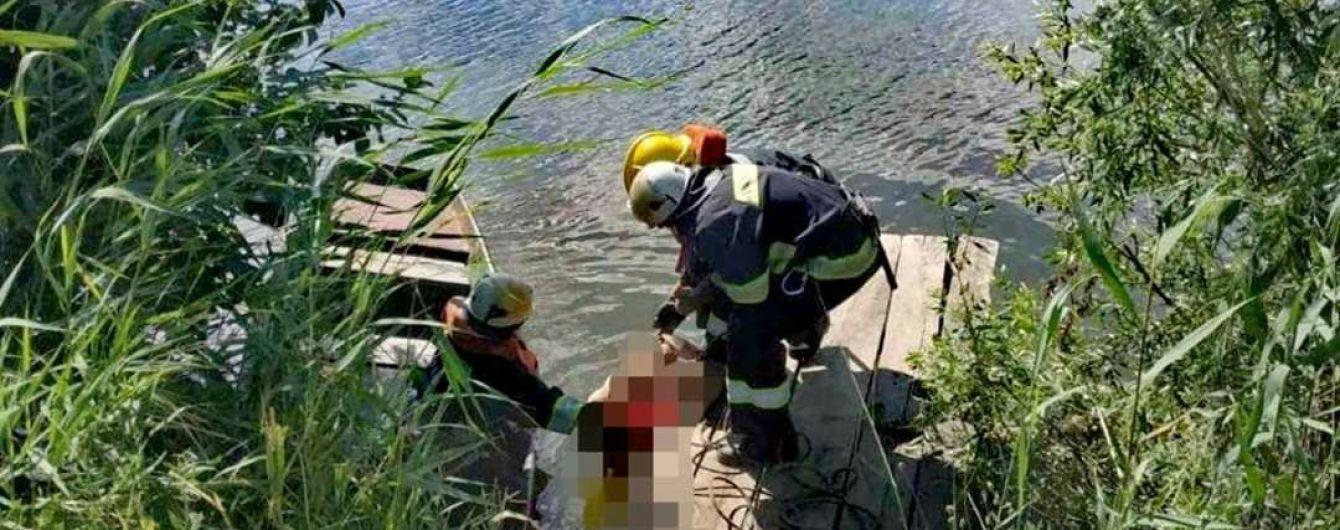 Під Запоріжжям до берега прибило тіло невідомої жінки (оновлено)