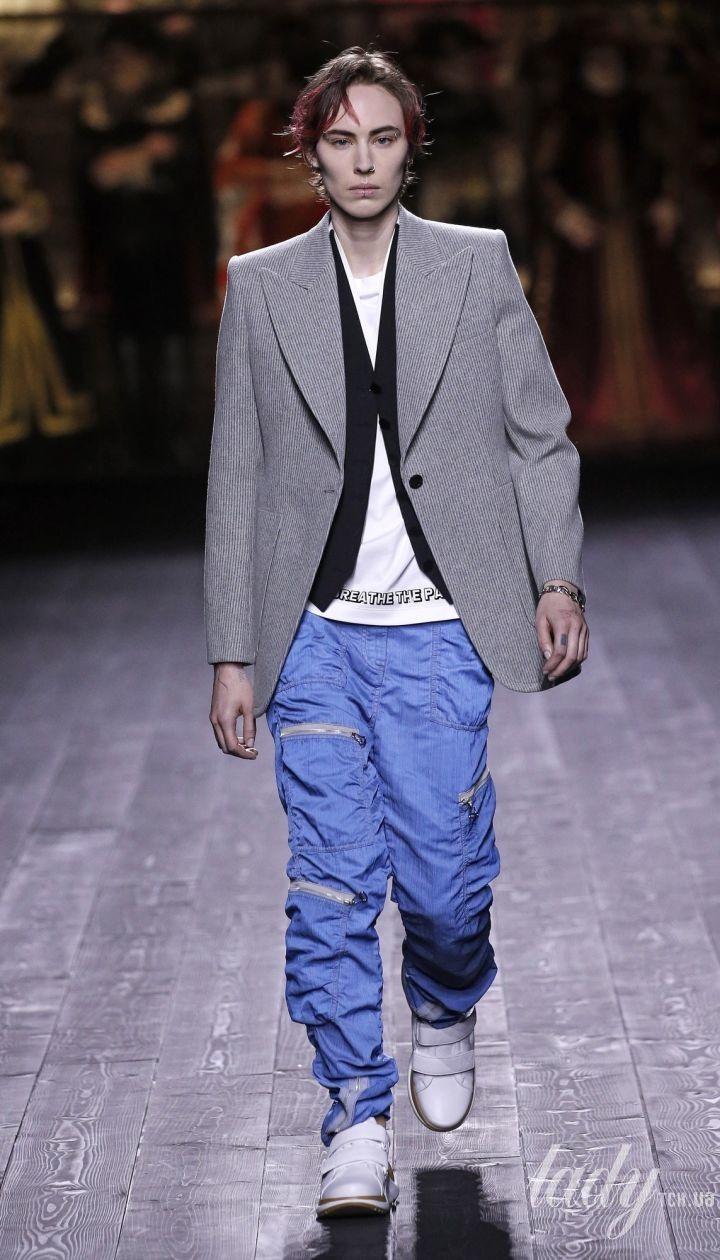Коллекция Louis Vuitton прет-а-порте сезона осень-зима 2020-2021 @ East News