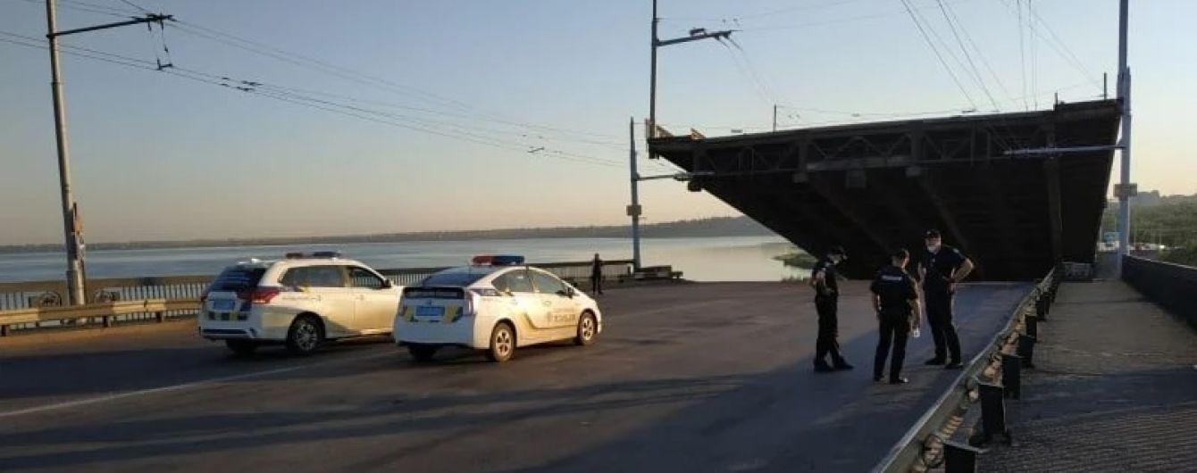 """В Николаеве разводной мост """"зажил своей жизнью"""""""