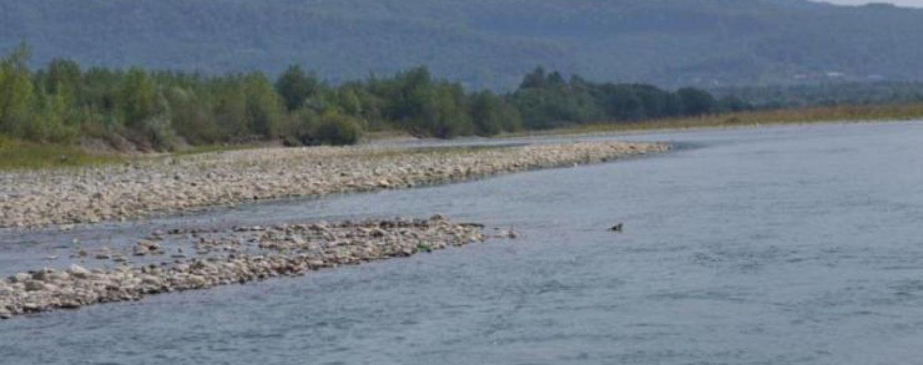На Закарпатті тіло хлопчика, який зник під час купання, виявили в селі за кілька кілометрів