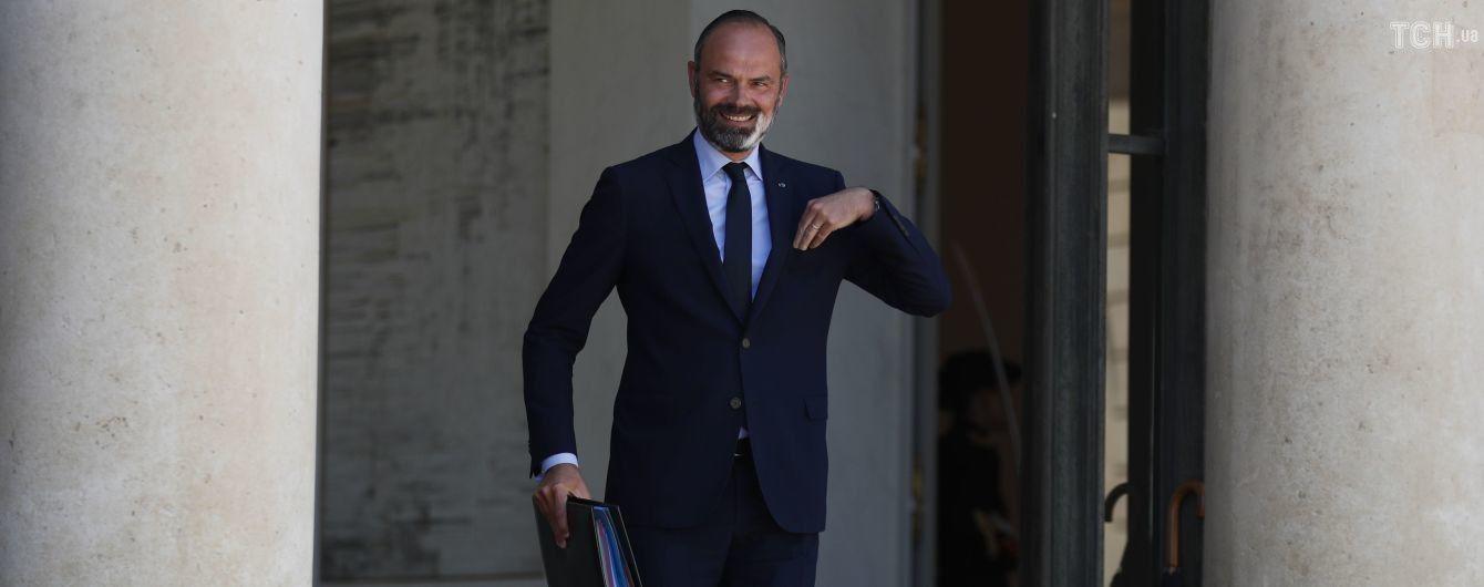 Премьер-министр Франции вместе со всем правительством идет в отставку