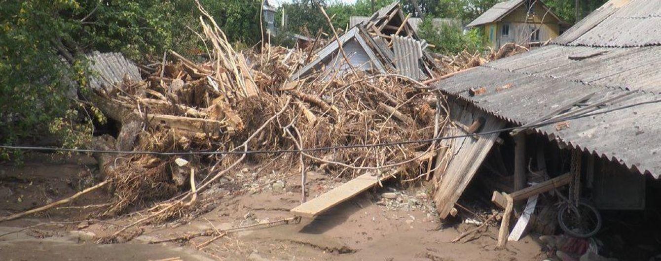 Наводнение на Прикарпатье: жители наиболее пострадавших районов жалуются на недостаточные компенсации