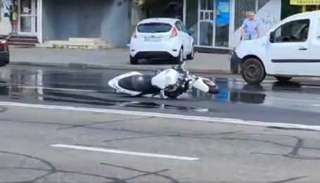 Відлетів на декілька десятків метрів: у Києві сталася смертельна ДТП за участю мотоцикліста