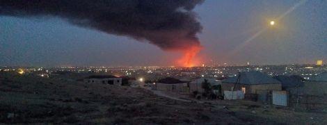 В Баку загорелась красочная фабрика, взрывались химикаты: видео