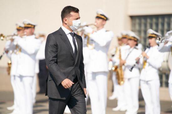 Зеленський привітав моряків з Днем ВМС України та пообіцяв оснастити їх ракетною зброєю