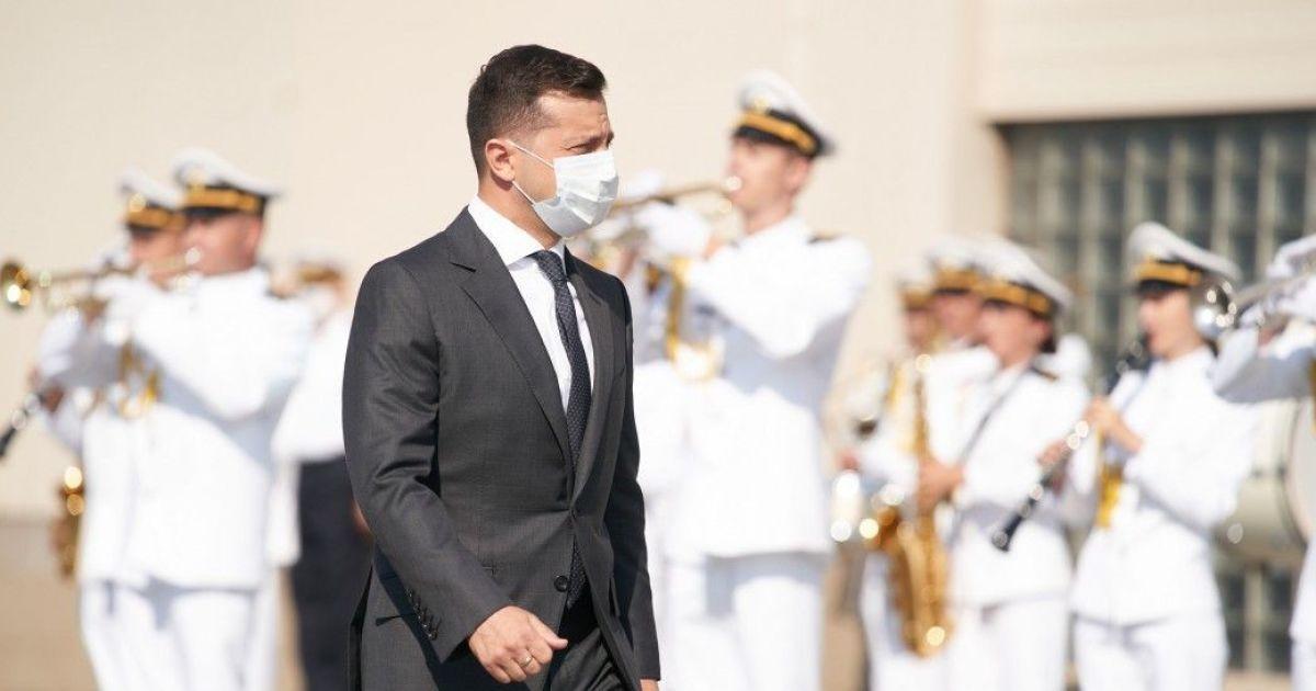 Зеленский поздравил моряков с Днем ВМС Украины и пообещал оснастить их ракетным оружием