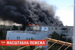 Пожар в 5-этажке в Новой Каховке: четыре квартиры выгорели, десять - пострадали