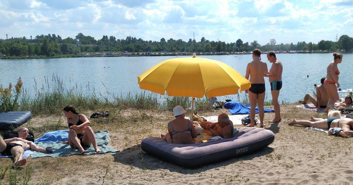 В Киеве запретили купаться на всех муниципальных пляжах: названа причина
