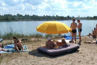 МОЗ рекомендує закрити десятки пляжів у різних регіонах України