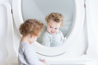 Як не виховати з дитини нарциса