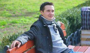 Олег Коваленко просить допомогти здолати йому лейкемію