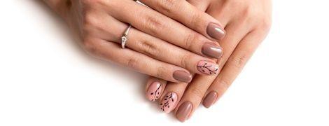 5 модных идей маникюра: как красить ногти этим летом