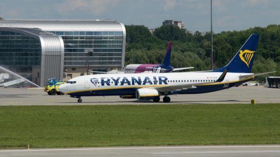 Лоукост Ryanair виконав перший рейс з Італії до Львова
