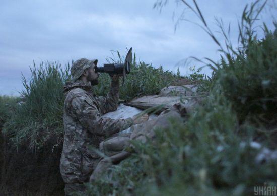 На Донбасі бойовики 7 разів обстріляли позиції ООС: один український воїн отримав бойове травмування