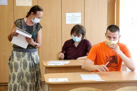 Сьогодні відбудеться ЗНО з англійської мови: на тестування зареєструвалися майже 118 тисяч абітурієнтів