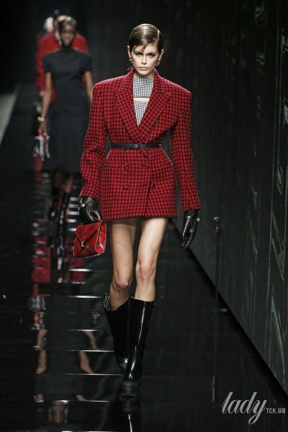 Коллекция Versace прет-а-порте сезона осень-зима 2020-2021_10