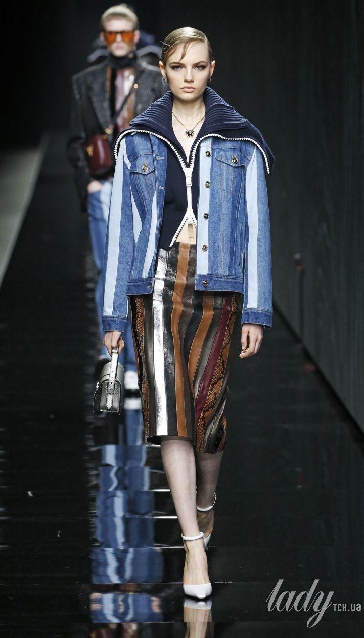 Колекція Versace прет-а-порте сезону осінь-зима 2020-2021 @ East News