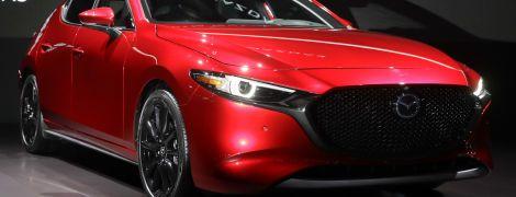 Оновлена Mazda 3 з повним приводом показана на відео