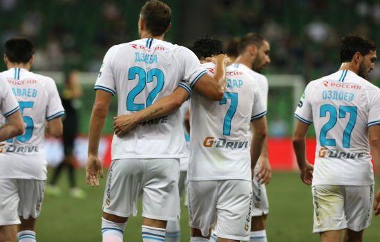 Російський футболіст зімітував статевий акт в роздягальні та нарвався на критику фанатів