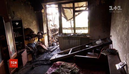 В Новой Каховке оценивают ущерб после масштабного пожара в жилом доме