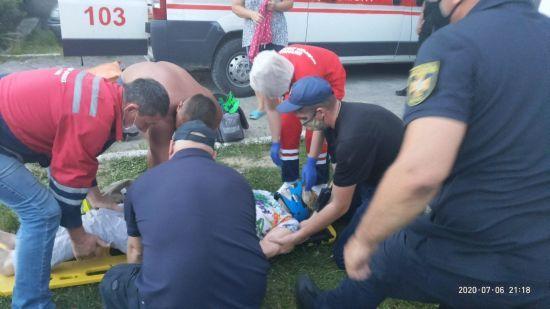 У Львівській області пенсіонерка впала в 4-метрову криницю і вижила