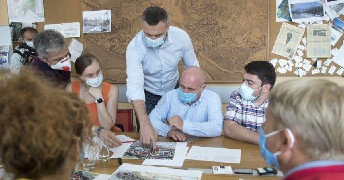 """Будівництво ТРЦ на території книжкового ринку """"Петрівка"""" наразі не планується, - Кличко"""