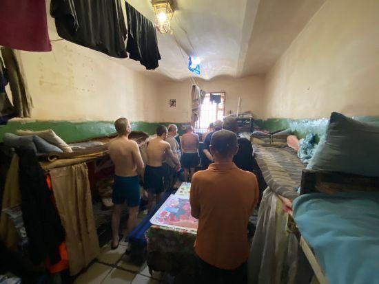 Дискримінація та ненадання меддопомоги: у Хмельницькому СІЗО порушують права ув'язнених