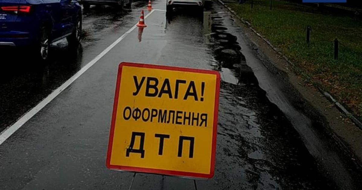 У Києві перекинувся Nissan з двома жінками: мати загинула, а дочка в критичному стані госпіталізована