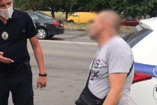 У Києві водій автобуса, перебуваючи під дією наркотиків, возив пасажирів