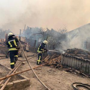 В Нацполиции назвали основные версии возникновения масштабного пожара в Луганской области