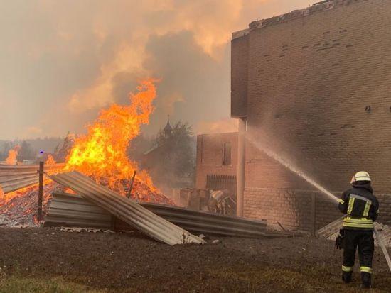 Постраждалі від пожеж у Луганської області отримають компенсації: Зеленський назвав суми
