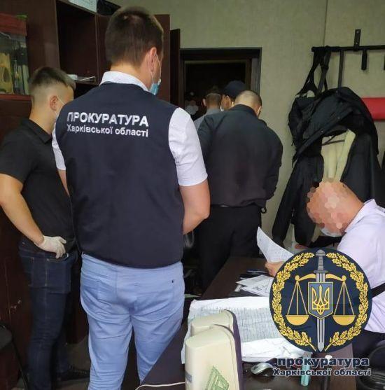 Групу поліцейських у Харківській області підозрюють у вимаганні хабарів з громадян