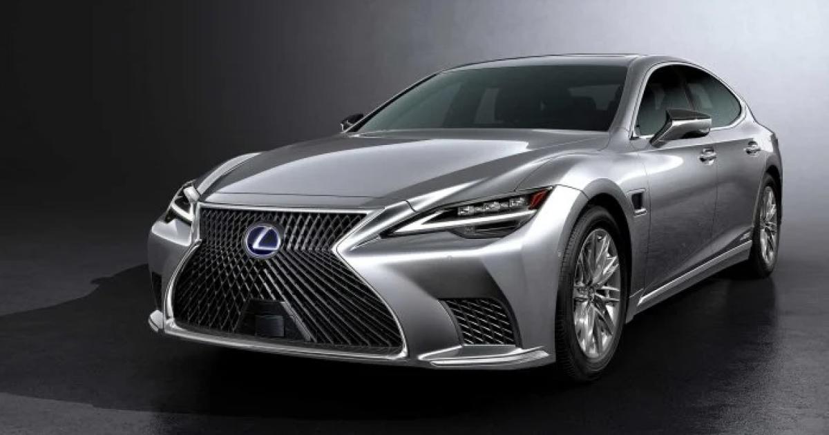 Lexus вывел в свет флагманский седан LS