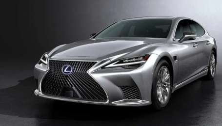 Lexus вивів у світ флагманський седан LS